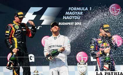 A la hora del festejo, la escudería McLaren va primera