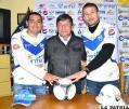 Freddy Fernández junto a las nuevas contrataciones del Club San José