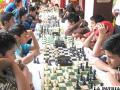 El ajedrez motiva a muchos jóvenes a practicarlo