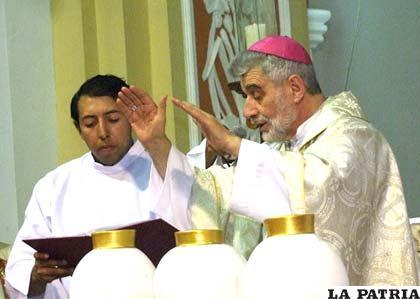 Monseñor Sergio Gualberti pide a los políticos olvidarse de tácticas políticas de antes