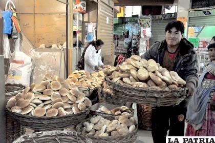 Población sufre por el incremento en el precio del pan