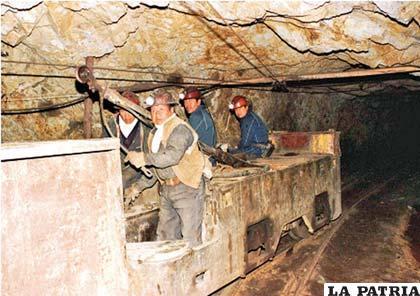 Los mineros asalariados piden una Ley Minera objetiva y completa para definir la política minera de emergencia que el país necesita