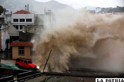 Miles de personas fueron evacuadas de la provincia de Zhejiang por la llegada del tifón Chan Hom /marmorinforma.mx