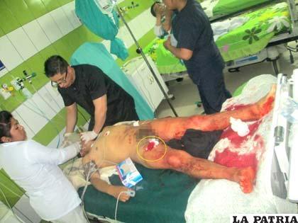 El cuerpo de la víctima en UTI de la Clínica Cristo Rey