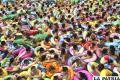 Ola de calor en Japón provoca que las personas abarroten las piscinas /2012ultimasnoticias.blogspot.com