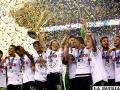 El festejo de los jugadores mexicanos por lograr el título /foxsportsla.com