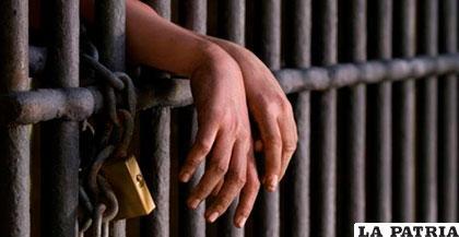 El menor de 17 años  fue condenado tras ser hallado culpable de matar a su enamorada
