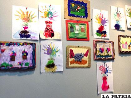 Niños exponen el resultado de dos semanas de taller de pintura
