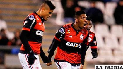 El festejo de los jugadores de Flamengo por el triunfo ante el Palestino