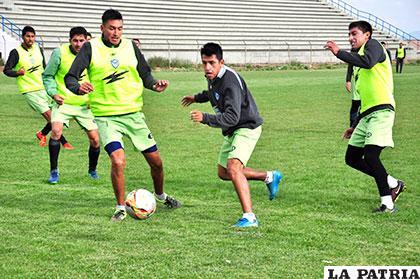 El plantel desde esta jornada comenzará a cumplir trabajo futbolístico