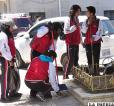 Los estudiantes en pasadas gestiones salieron a limpiar las calles /Archivo