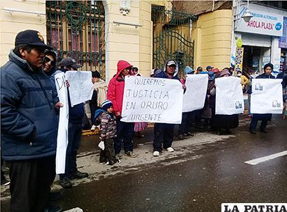 La protesta terminó en la puerta de la Alcaldía