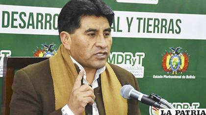 El ministro de Desarrollo Rural y Tierras, César Cocarico /Radio FM Bolivia /Archivo