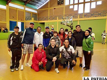 Entrenadores orureños que fueron parte del curso en Sucre /LA PATRIA