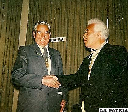 Ramiro Condarco con Juan Quirós Ingreso a la Academia Boliviana de la Lengua - 23.abril.1987