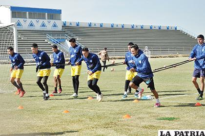 Jugadores de San José durante el entrenamiento de ayer