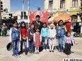 Niños demuestran su talento  en la plaza 10 de Febrero