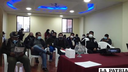 Dirigentes de los clubes se cansaron del prorroguismo y piden elecciones /LA PATRIA