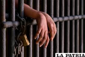El padrastro fue condenado a 20 años de cárcel /Foto referencial