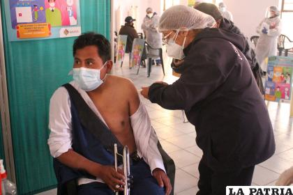 Gobernación observó el manejo adecuado de las vacunas /LA PATRIA