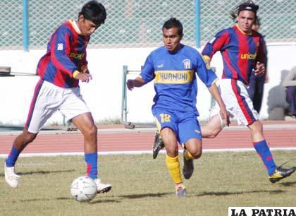 El partido entre Huanuni y Frontanilla se jugó con mucho rose