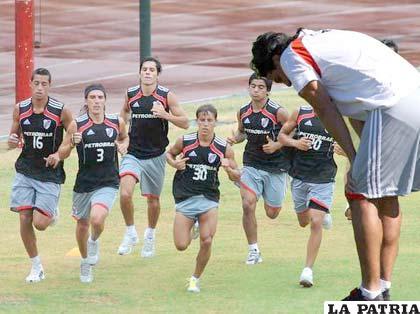 El elenco de River Plate comenzó sus prácticas con miras a ascender a Primera