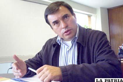 Director Ejecutivo de la Agencia para el Desarrollo de las Macro-regiones y Zonas Fronterizas, Juan Ramón Quintana