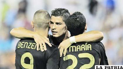 Jugadores del Real Madrid celebran la goleada