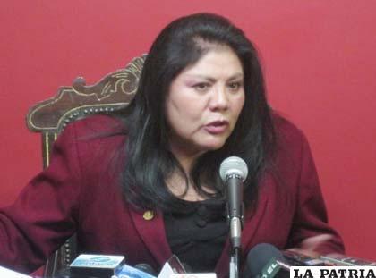 Norma Piérola diputada por CN solicitó un informe oral al presidente de la estatal petrolera Carlos Villegas por temas de corrupción /ANF