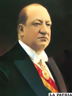 34. JOSÉ LUIS TEJADA SORZANO Nació el 12 de enero de 1882 en La Paz y murió en Arica, Chile, el 4 de octubre de 1938.  Tomó posesión del cargo el 1 de diciembre de 1934, por sucesión directa, al ser vicepresidente de la Nación hasta el 16 de mayo de 1936, al ser derrocado. Durante su gobierno continuó la guerra del Chaco en busca de gloria, más prestigio político y estabilidad total para su régimen; firmó la paz el 12 de junio de 1935; dispuso la concentración de oro físico y en monedas en el Banco Central; enjuició a la empresa Standard Oil & Co. por vender clandestinamente petróleo a la Argentina que provocó la inflación y devaluación de la moneda boliviana al cambio de la libra esterlina.