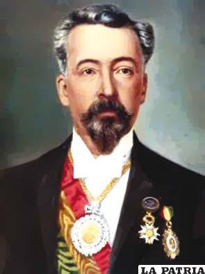24. SEVERO FERNÁNDEZ ALONSO  CABALLERO  Nació el 15 de agosto 1849 en Sucre y perdió la vida en Cotagaita-Cochabamba el 12 de agosto de 1925. Gobernó Bolivia desde el 19 de agosto de 1896 al ser elegido constitucionalmente hasta el 12 de abril de 1899, cuando fue derrocado. Destacan en su administración la conclusión de la construcción del Palacio en Sucre, que no pudo ser utilizado debido a que la sede de gobierno fue trasladada a La Paz; continuaron las exploraciones en el Amazonas; así como la negociación sobre las demarcaciones de límites con Brasil y Argentina con resguardo aduanero para controlar las exploraciones de goma; se construyó la Catedral de La Paz.