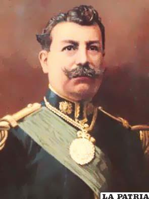 26. ISMAEL MONTES GAMBOA  Nació en La Paz el 5 de octubre de 1861 y murió en la misma ciudad el 18 de noviembre de 1933. Asumió la Presidencia de forma constitucional el 14 de agosto de 1904 y transmitió el mando el 12 de agosto de 1909 en su primer gobierno y en el segundo fue electo constitucionalmente el 14 de agosto de 1913 al 15 de agosto de 1917. En su primer gobierno firmó el Tratado de Paz con Chile en el que Bolivia renunciaba definitivamente al mar a cambio de 300.000 libras y la construcción del ferrocarril Arica-La Paz; se promulgó la libertad de culto y se estableció el servicio militar obligatorio.