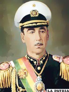 """48. ALFREDO OVANDO CANDIA  Nació el 5 de abril de 1918 en Cobija, Pando,  y falleció en La Paz el 24 de enero de 1982. Asumió como Presidente por tres oportunidades: del 26 de mayo de 1965 al 2 de enero de 1966; del 2 de enero al 6 de agosto de 1966 y del 26 de septiembre 1969 al 6 de octubre 1970. Inició un proceso de apertura con países del bloque socialista entre ellos la Unión Soviética; se creó el Banco del Libro; en el plano internacional se firmó el convenio de educación """"Andrés Bello""""; se nacionalizó el petróleo, lo que significó la reversión al Estado de todas las concesiones otorgadas a la Bolivian Gulf Oil Company."""