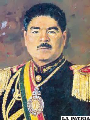 50. JUAN JOSÉ TORRES GONZALES  Nació en Sacaba, Cochabamba, en 1919 y murió en Buenos Aires, Argentina, en 1976. Asumió la Presidencia del 7 de octubre de 1970 pero terminó su mandato por el golpe subversivo desarrollado el 21 de agosto de 1971. Poco pudo hacer por estar sometido a las presiones de la derecha que se le oponía y de la izquierda sindicalista que se creía, y era en la práctica, dueña de la situación de Bolivia; uno de los actos negativos fue la nacionalización de la mina Matilde; creó la Asamblea Popular; nació el Movimiento de la Izquierda Revolucionaria; restituyó a los mineros los salarios que fueron reducidos, lo que molestó a la oligarquía y a las Fuerzas Armadas.