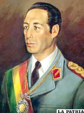 59. GUIDO VILDOSO CALDERÓN Nació el 5 de abril de 1937 en La Paz, actualmente vive en Cochabamba. Ascendió al cargo el 21 de julio de 1982 y gobernó hasta el 10 de octubre de 1982. Se caracterizó por ser un modelo de corrección, decoro y desinterés, convocó al Congreso Nacional elegido el 1980 para responder al pedido del pueblo y el 5 de octubre de 1982 el Parlamento eligió a Hernán Siles Suazo que asumió el poder hasta el 6 de agosto de 1985.