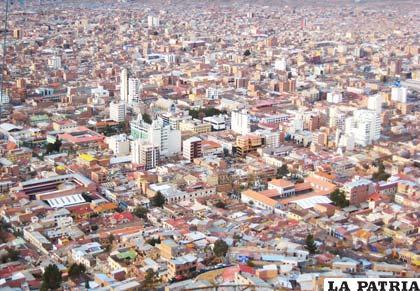 La ciudad de Oruro crece pero con riesgos en su economía