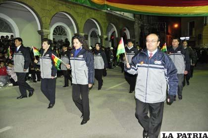 Funcionarios del Registro Civil portaron con orgullo la tricolor nacional