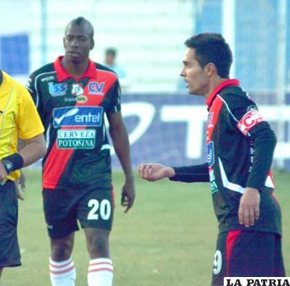 Obregón y Brandán jugadores de Nacional Potosí