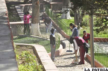 Una ley departamental sumada a la colaboración efectiva de los vecinos devolverá a Oruro la fama de ser la ciudad más limpia de Bolivia