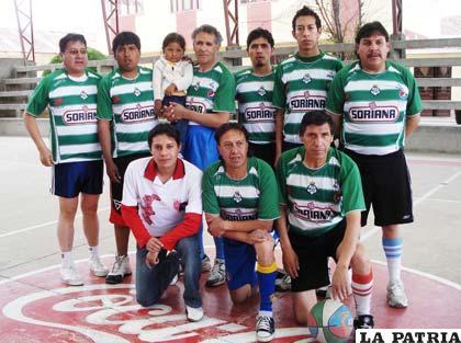 Jugadores del equipo de Súper Deportes
