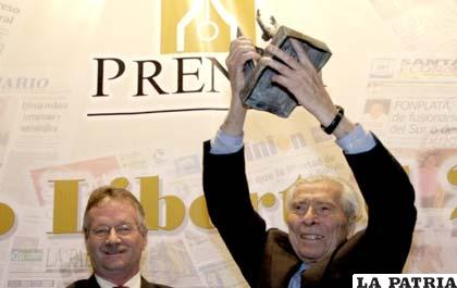 José Gramunt de Moragas recibe el premio Libertad en 2009 /ANF