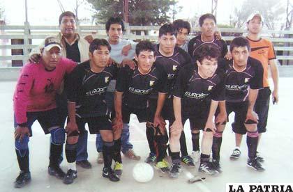 Integrantes del equipo GNV Cochalo