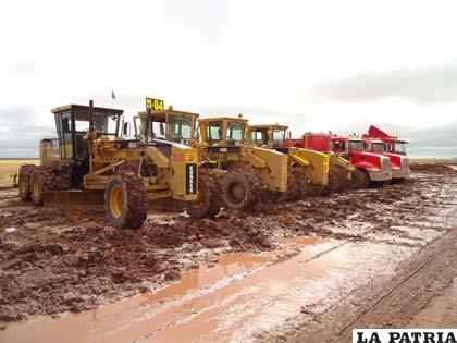 El anhelado camino Oruro – Pisiga podría culminarse hasta fines del 2015, restan dos tramos