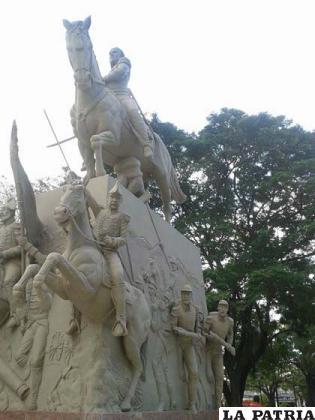 El monumento a Pedro Ignacio Muiba, héroe del departamento de Beni