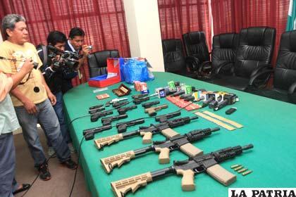 Armamento decomisado en Santa Cruz
