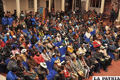 Movimientos sociales afines al MAS iniciaron campaña por el sí al Estatuto Autonómico