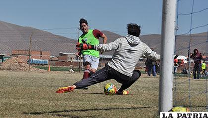 Abel Méndez será habilitado en estos días y podrá jugar el domingo