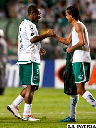 Celebran el empate los de Goiás /HOLACIUDAD.com