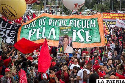 Movimientos sociales respaldan a la presidenta Rousseff /efe.com