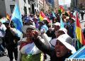 Pequeños empresarios y artesanos  protestan contra el contrabando